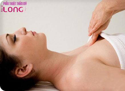 cach-massage-sau-khi-nang-nguc-1